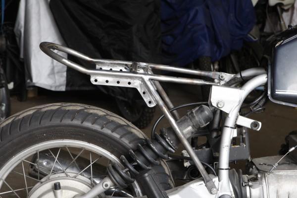Rahmenheck »Custom« montiert an R 100 R
