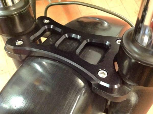 Gabelstabilisator für BMW R 80 R, R 100 R, Mystic und K 75 mit 41 mm Vorderradgabel