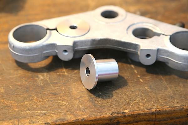 Aufnahme Lenker Klemmbock Alu für BMW K 100 (2V) Modelle mit 41,4 mm Standrohr-Durchmesser