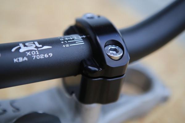 Lenker Klemmbock-Adapter 22 auf 28,6 mm für BMW Boxer und K-Modelle