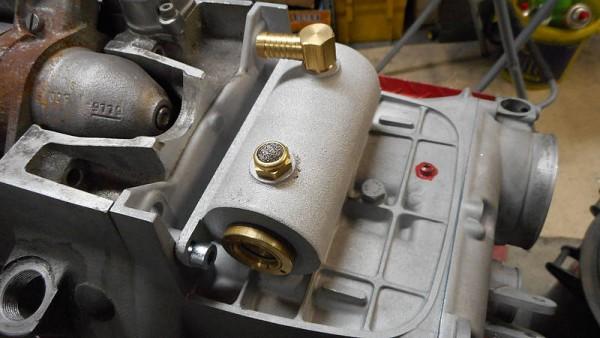 Sammelbehälter Motorentlüftung